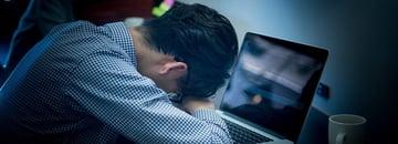 仕事が辛い、残業が多いと感じる人事担当者が知っておきべきこと