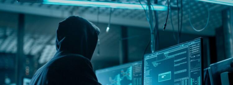 サイバー犯罪と従来の犯罪の融合